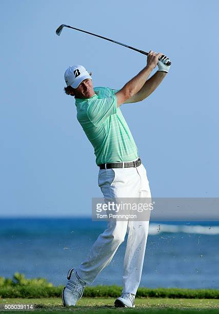 Brandt Snedeker plays his shot from the 17th tee during the first round of the Sony Open In Hawaii at Waialae Country Club on January 14 2016 in...