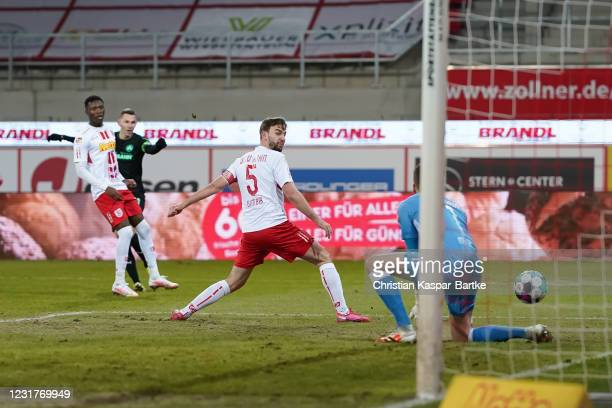 Branimir Hrgota of SpVgg Greuther Fuerth scores his team`s first goal during the Second Bundesliga match between SSV Jahn Regensburg and SpVgg...