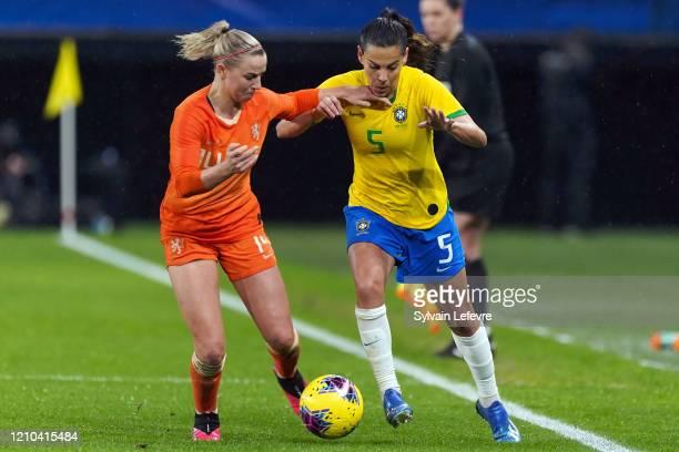 "Brasil Thaisa Moreno and Netherlands Jackie Groenen during International Women's Match of 'Tournoi de France"" Netherlands vs Brazil at Stade du..."