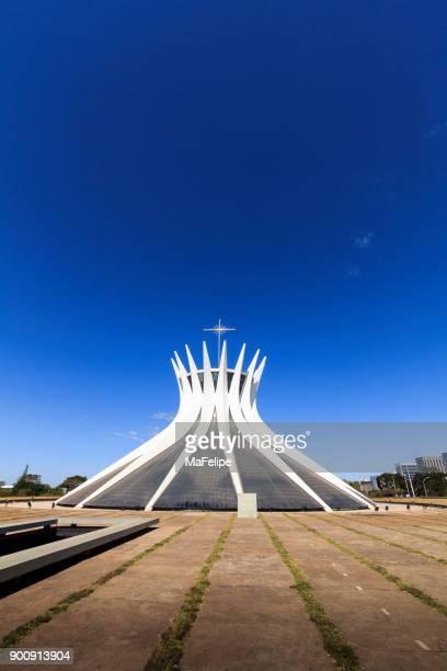 Catedral de Brasilia por el arquitecto Oscar Niemeyer