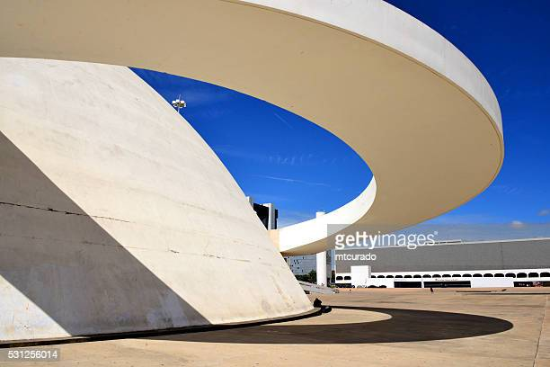 brasilia, district fédéral, au brésil: complexe culturel de la république - brasilia photos et images de collection