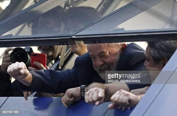 TOPSHOT Brasilian expresident Luiz Inacio Lula da Silva waves to supporters in Sao Bernardo do Campo on April 6 2018 Lula da Silva the controversial...