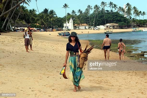 Souvenirverkäuferin am Strand von Praia do Forte