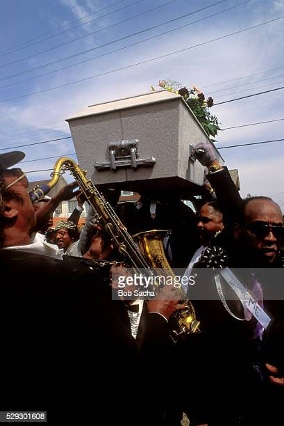 brass band at new orleans funeral - pallbearer stock pictures, royalty-free photos & images
