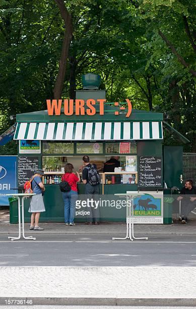 Bratwurst-Marktstand in Berlin, Deutschland
