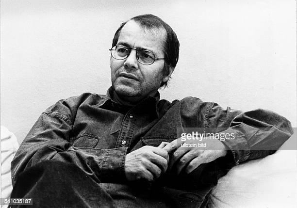Braun Volker *Schriftsteller Dramatiker D Halbportrait 1990