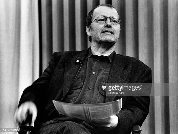 Braun Volker *Schriftsteller Dramatiker D Halbportrait 1993