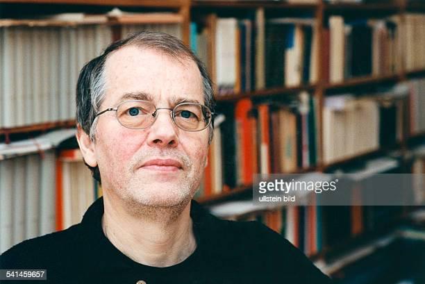 Braun Volker *Schriftsteller Dramatiker D Portrait Maerz 1999