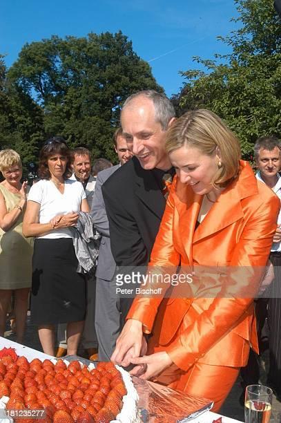 Braut Heike Götz Bräutigam Detlef Lafrentz Hochzeitsgäste Hochzeitsfeier Heike Götz und Detlef Lafrentz Empfang Schloßpark Schloß Bergedorf Hamburg...