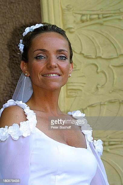 Braut Iris Remmertz Portrait Sängerin geb 20 Juni 1967 Sternzeichen Zwillinge Hochzeitsfeier Mönchengladbach Kaiser FriedrichHalle auf dem Balkon...