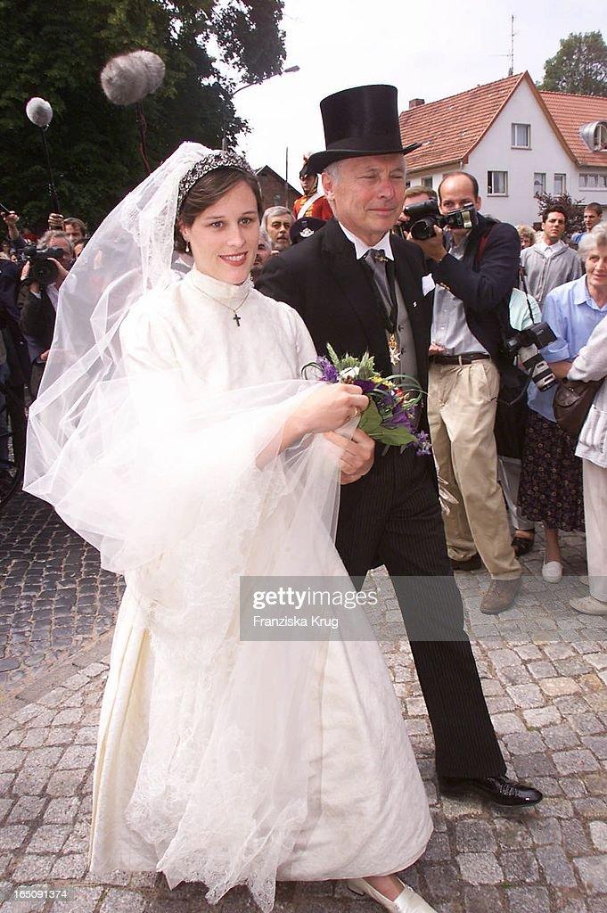Braut Thyra Und Brautvater Bei H. Von Hannover T. Von Westernhag : News Photo