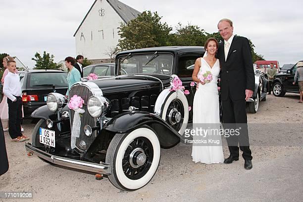 Brautpaar Andreas Fritzenkötter Und Elisabeth Fritzenkötter Bei Der Kirchlichen Hochzeit In Der Morsumer St Martin Kirche Auf Sylt Am 020607