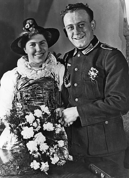 Kriegstrauungen Brautpaar Im Pustertal Tirol Pictures Getty Images