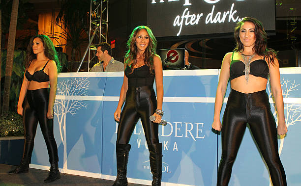 Melissa gorga performs at harrah 39 s pool after dark photos for Pool show new jersey