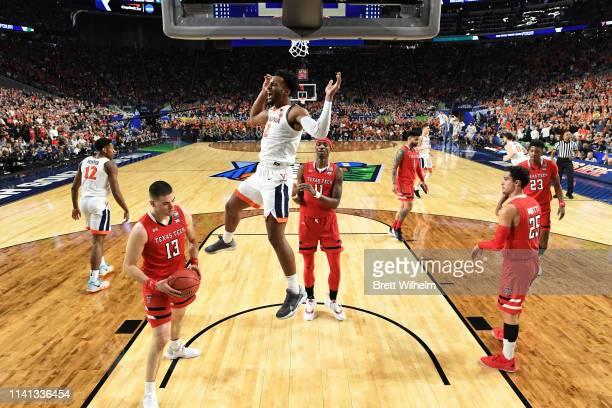 Braxton Key of the Virginia Cavaliers dunks against the Texas Tech Red Raiders during the first half in the 2019 NCAA men's Final Four National...