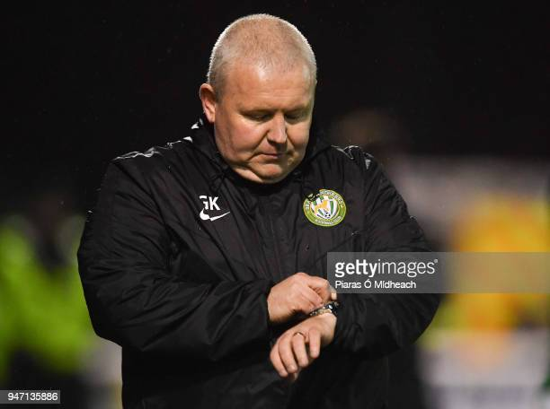 Bray , Ireland - 16 April 2018; Bray Wanderers manager Graham Kelly checks his watch during the SSE Airtricity League Premier Division match between...