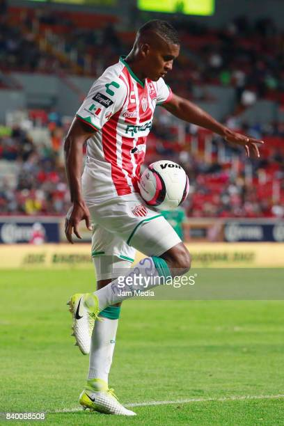 Brayan Beckeles of Necaxa controls the ball during the seventh round match between Necaxa and Atlas as part of the Torneo Apertura 2017 Liga MX at...