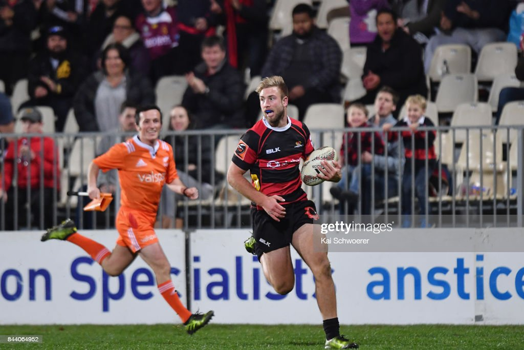 Braydon Ennor of Canterbury runs through to score a try during the Ranfurly Shield round four Mitre 10 Cup match between Canterbury and Southland on September 8, 2017 in Christchurch, New Zealand.