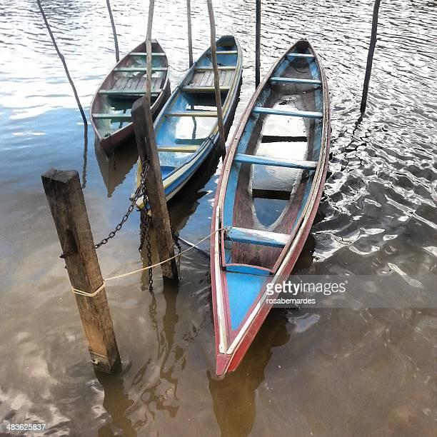Brasilien, Amazonas, Kanus in den Amazonas