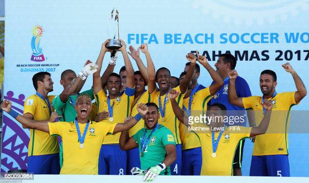 Brazil celebrate their win against Tahiti in the FIFA Beach Soccer World Cup Bahamas 2017 final between Tahiti and Brazil at National Beach Soccer...