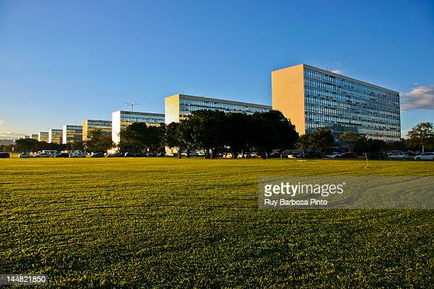 brazil ministries esplanade buildings - distrito federal brasilia stock pictures, royalty-free photos & images