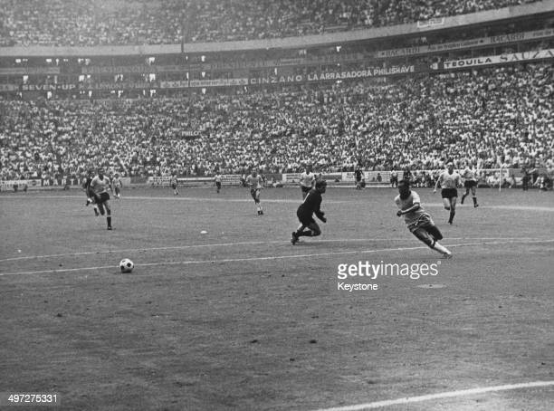 Brazil on the attack during their semi final match against Uruguay in the 1970 FIFA World Cup Estadio Jalisco Guadalajara 17th June 1970