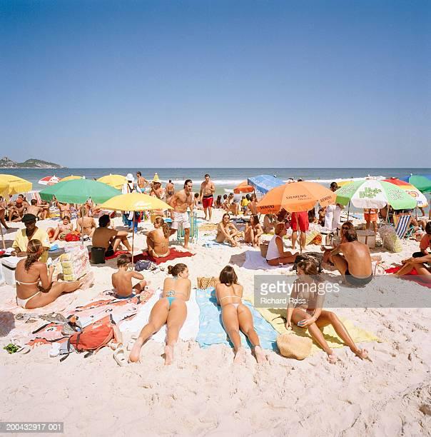 Brazil, Rio de Janairo, Copacabana Beach, people sunbathing