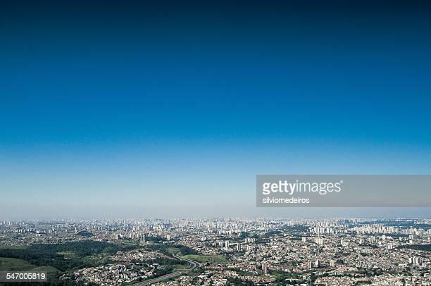 brazil, sao paulo, aerial view of city - céu claro - fotografias e filmes do acervo