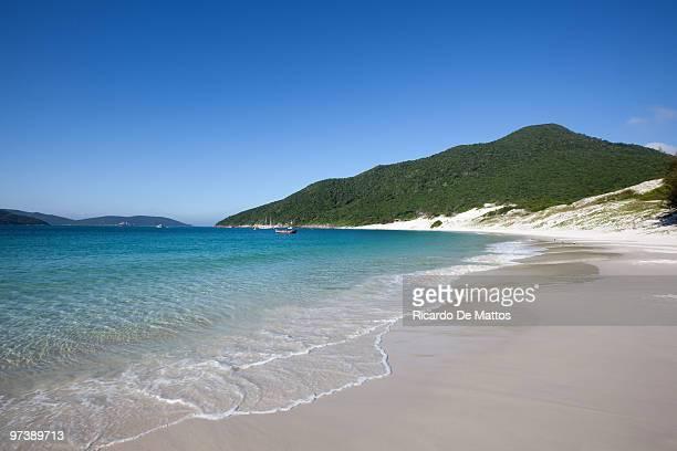brazil, secluded beach - arraial do cabo imagens e fotografias de stock