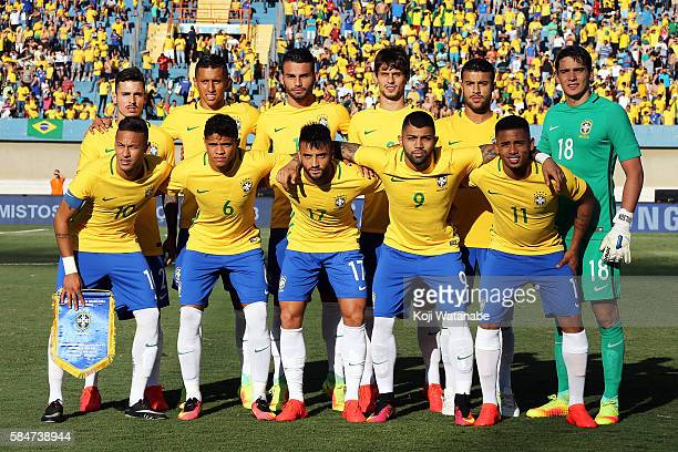 Brazil team start line up of during the international friendly match between Japan and Brazil at the Estadio Serra Dourada on July 30 2016 in Goiania...