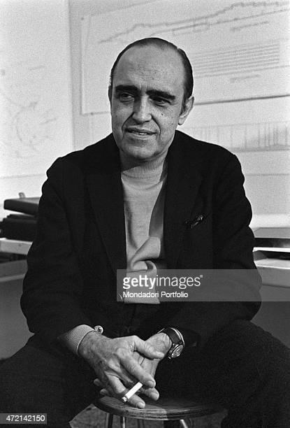 'Brazilian architect Oscar Niemeyer posing in his studio with a cigarette in his hand The Italian publisher Giorgio Mondadori has recently...
