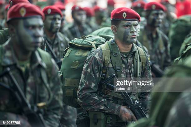 brazilian army soldier in camouflage - infantry stock pictures, royalty-free photos & images