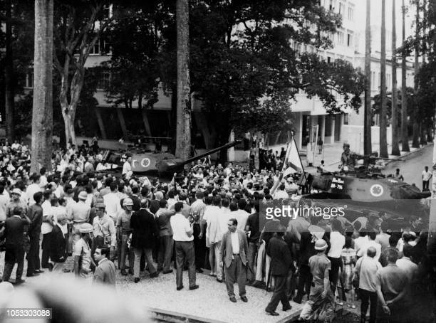 Brazilian army tanks arrive at Guanabara Palace on April 01 1964 in Rio de Janeiro during the military putsch that led to the overthrow of President...