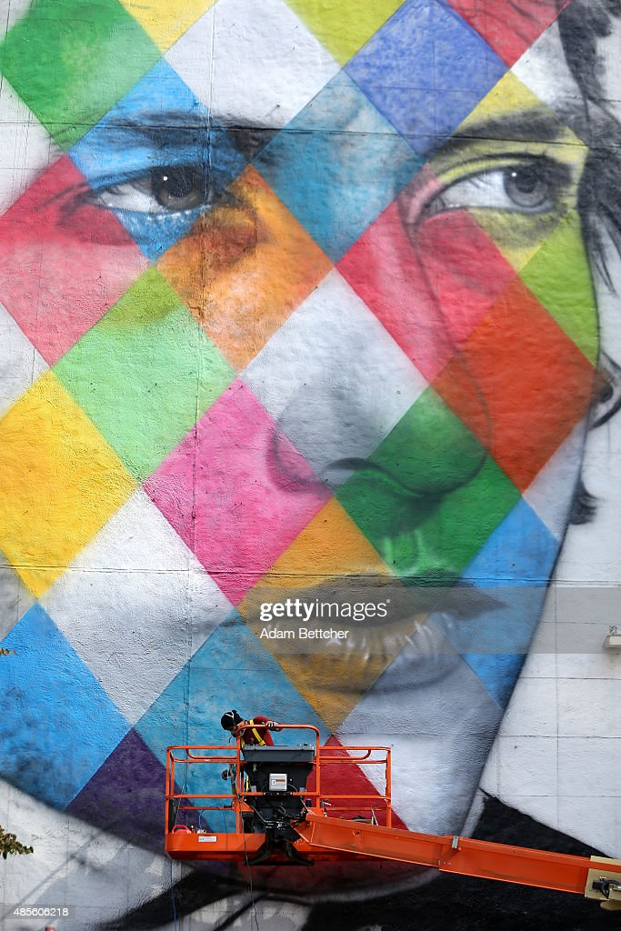 Bob Dylan Mural Painted In Minneapolis : News Photo