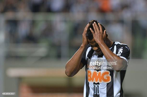 Brazilian Atletico Mineiro's footballer Fernandinho gestures during their Libertadores Cup match against Venezuela's Zamora at Independencia Stadium...