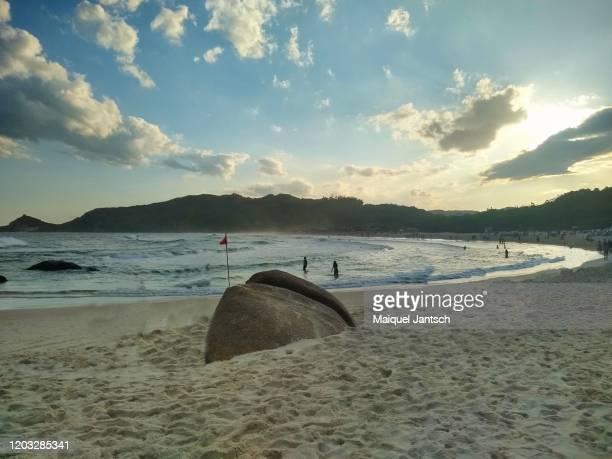 brazilian beach. praia mole in florianopolis, santa catarina - brazil - インド洋 ストックフォトと画像