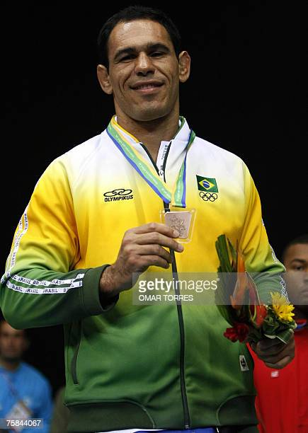 Brazilian boxer Rogerio Nogueira shows his Bronze Medal during the 91Kg superheavyweight category award ceremony 28 July 2007 in the XV Pan American...