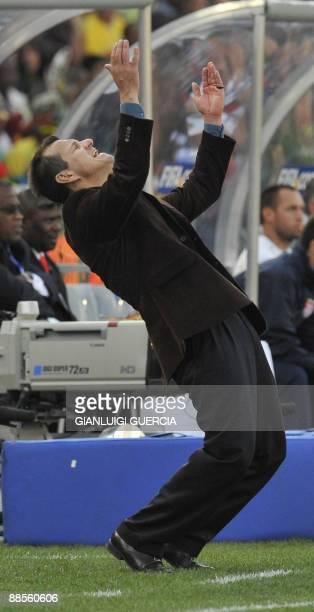 Brazilian coach Dunga gestures during the Fifa Confederations Cup football match USA vs Brazil on June 18, 2009 at the Loftus Versfeld stadium in...