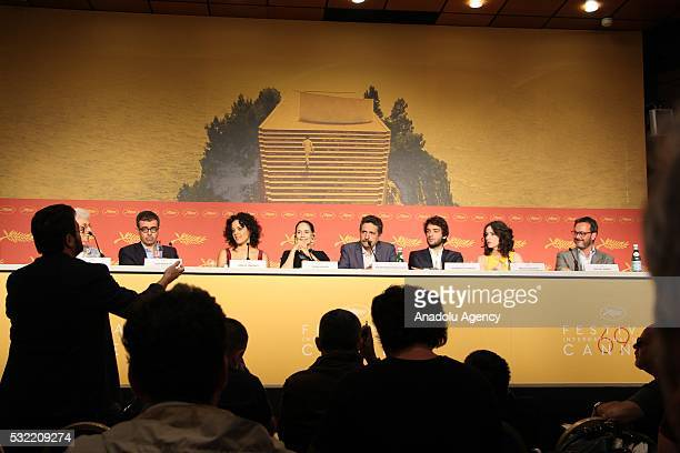 Brazilian director Kleber Mendonca Filho Brazilian actresses Maeve Jinkings and Sonia Braga and Humberto Carrao attend a press conference for...