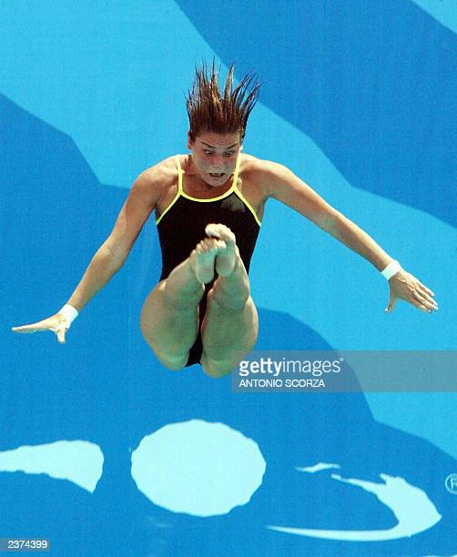Brazilian diver Juliana Veloso performs her routine during the last rotation at the women's 10M platform diving competition during the 2003 Pan...