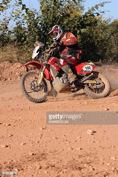 Brazilian driver Jose Helio powers his Honda Crf 450x during the 6th stage of the Rally of Sertoes 2008 as part of FIA World Rally Championship in...