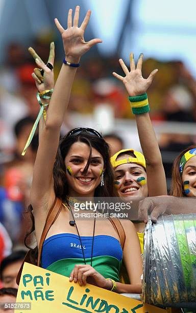 Brazilian fans cheer ahead of the Group C match between Brazil and Turkey, 03 June 2002 at the Ulsan Munsu Football Stadium in Ulsan, at the 2002...