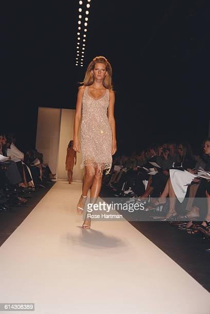 Brazilian fashion model Gisele Bündchen at the Oscar de la Renta Spring 2001 fashion show in Bryant Park New York City 19th September 2000