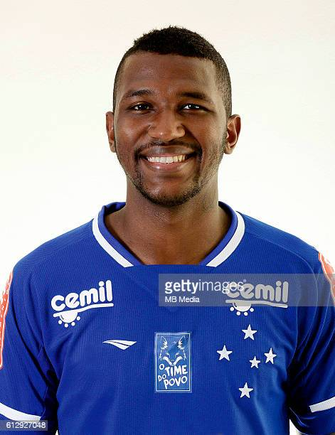 Brazilian Football League Serie A / Douglas Coutinho Gomes de Souza ' Douglas Coutinho '