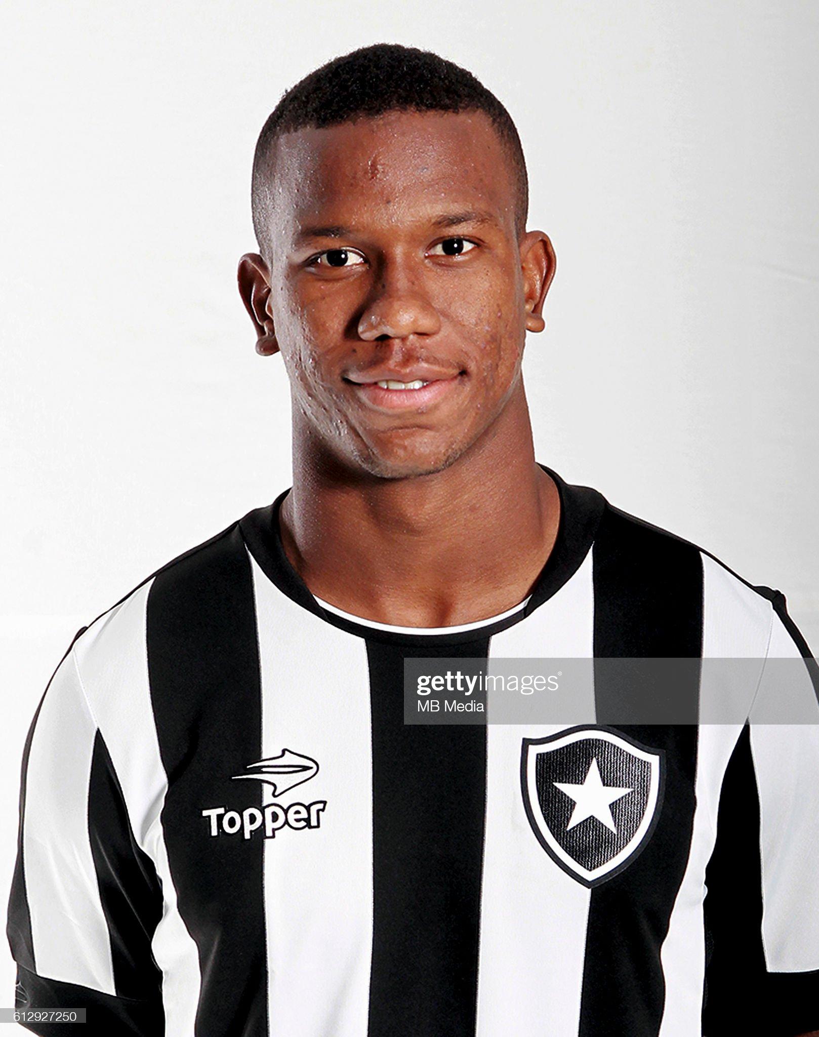 https://media.gettyimages.com/photos/brazilian-football-league-serie-a-lucas-ribamar-lopes-dos-santos-picture-id612927250?s=2048x2048