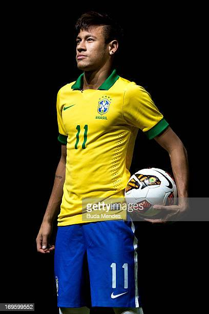 e646a34982fc Brazilian football star Neymar presents his new Nike football boots on May  28 2013 in Rio