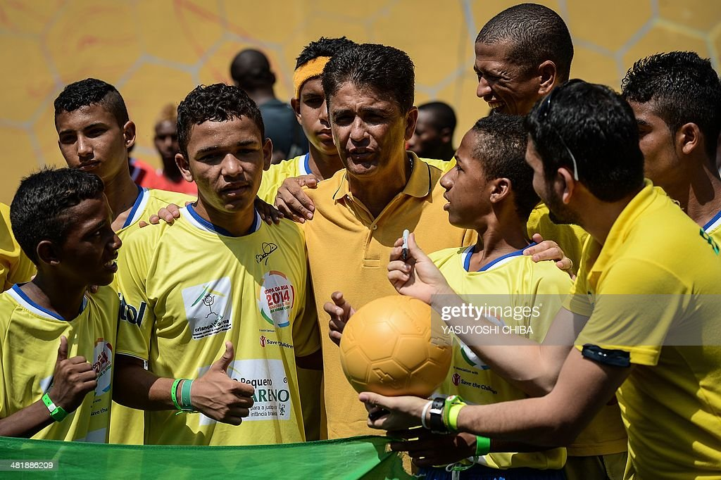 FBL-WC2014-RIO-STREET CHILD WORLD CUP : News Photo