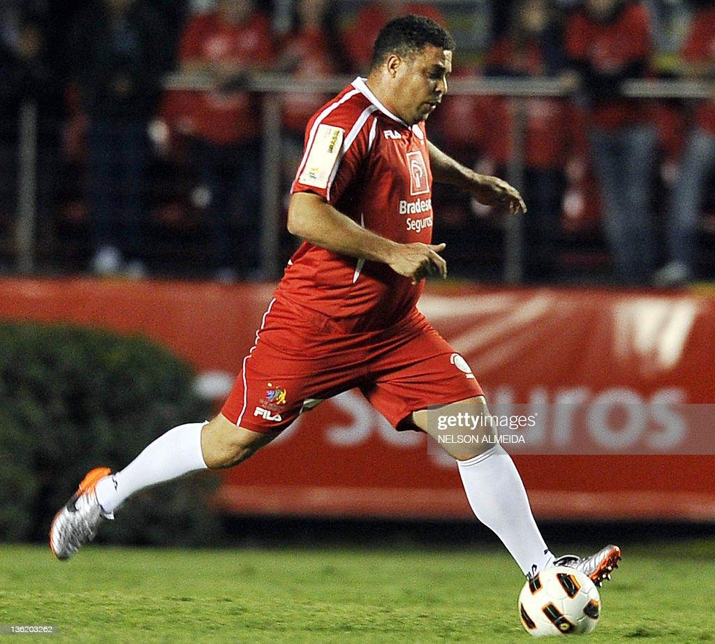 Brazilian former football star Ronaldo d : News Photo