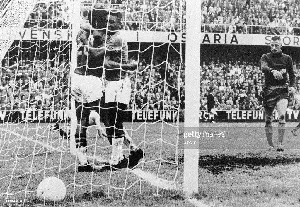 WORLD CUP-1958-BRAZIL-SWEDEN : News Photo