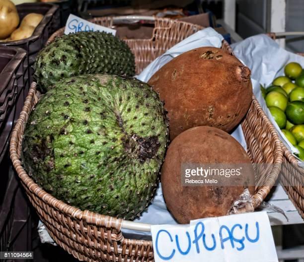 brazilian fruits in the public market - theobroma foto e immagini stock